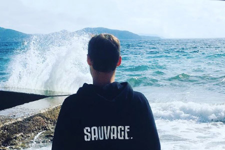 Emmanuel : l'entrepreneuriat positif face à la mer